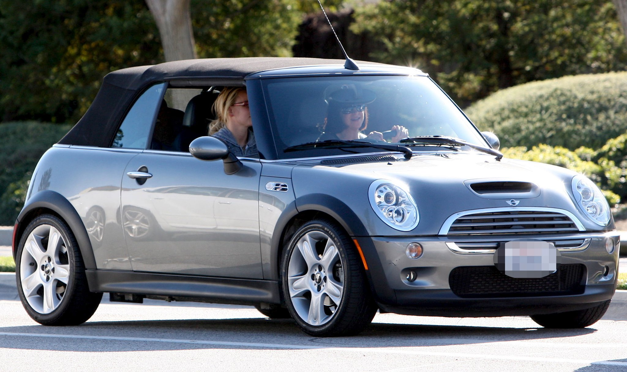 15 Celebs who Drive Cheap Cars, and Don't Show off