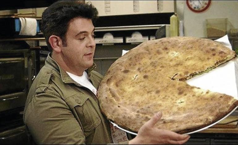 Top Ten Man Vs Food Episodes Where He Beats The Food!