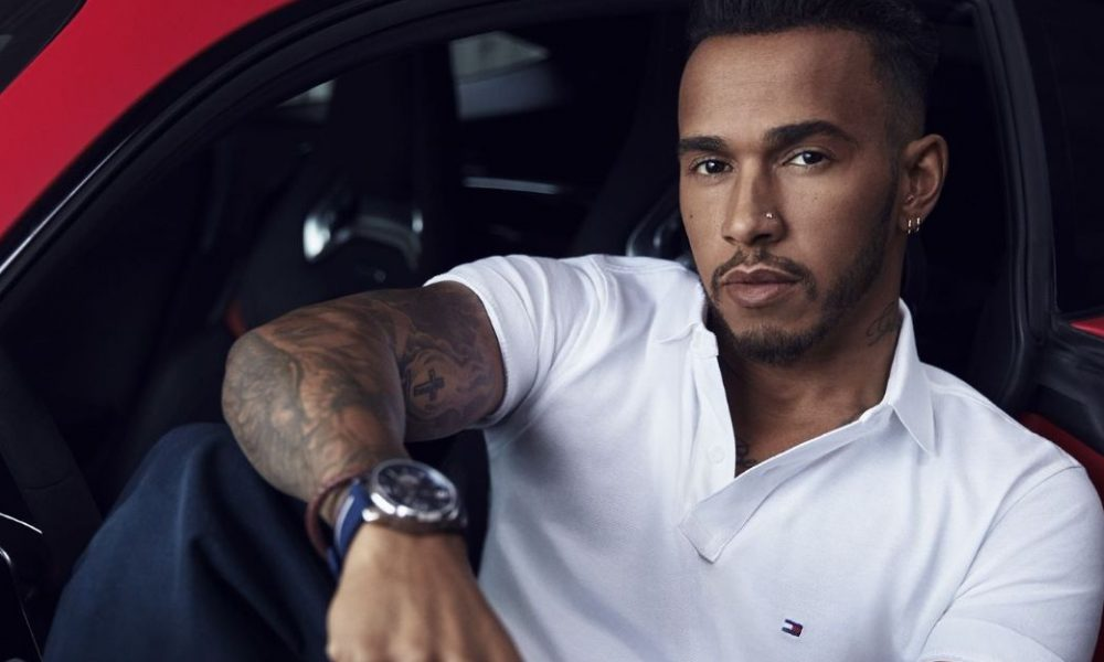 10 Proofs That Lewis Hamilton is Living the Life of a King