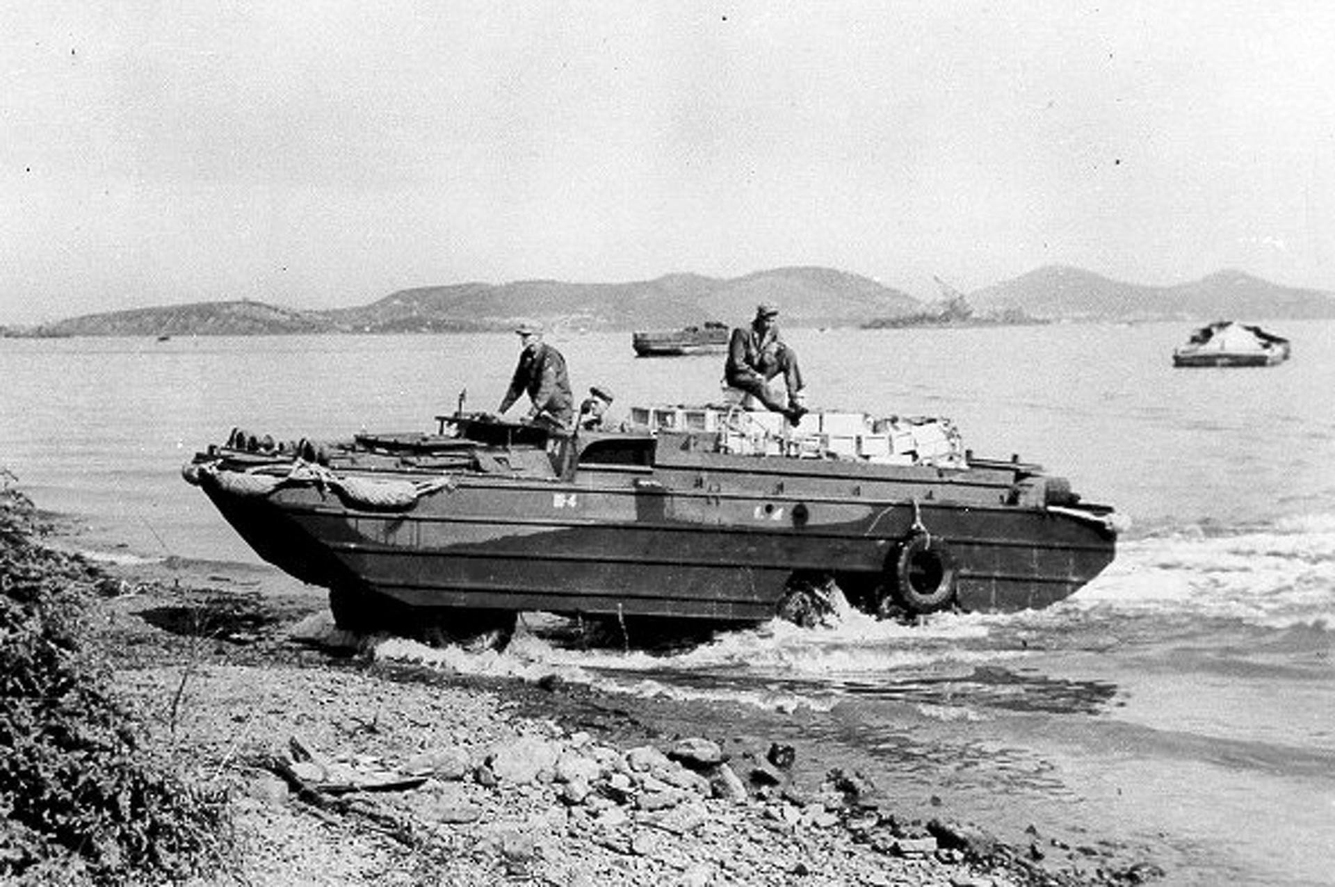 amphibious-military-vehicles-