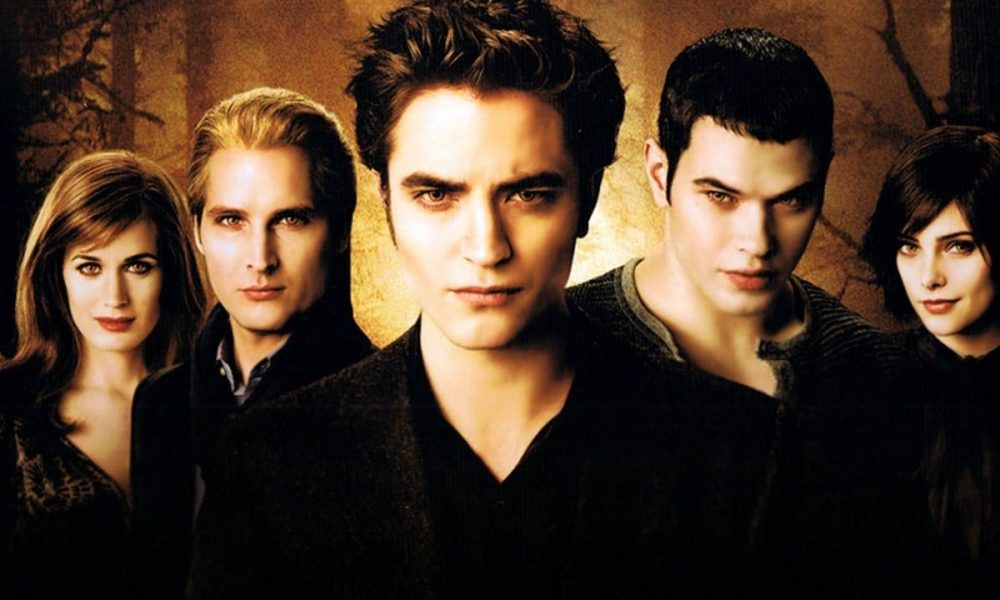 10 Of The Strongest And Most Charismatic Vampires