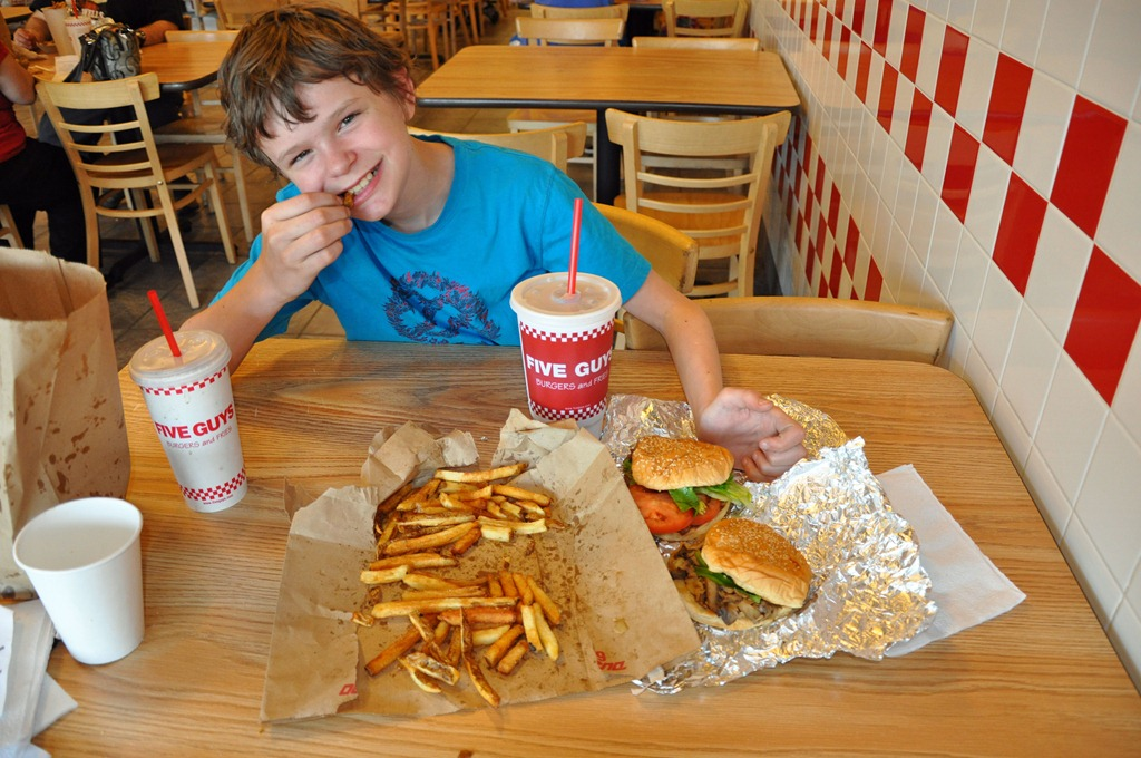 boy-eating-at-five-guys