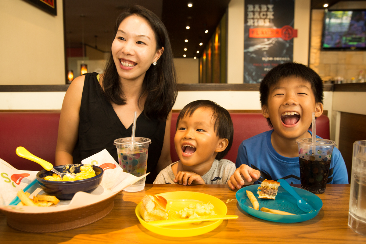 kids eat at Chili's