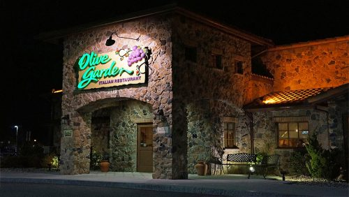 Top 10 Untold Truths of Olive Garden