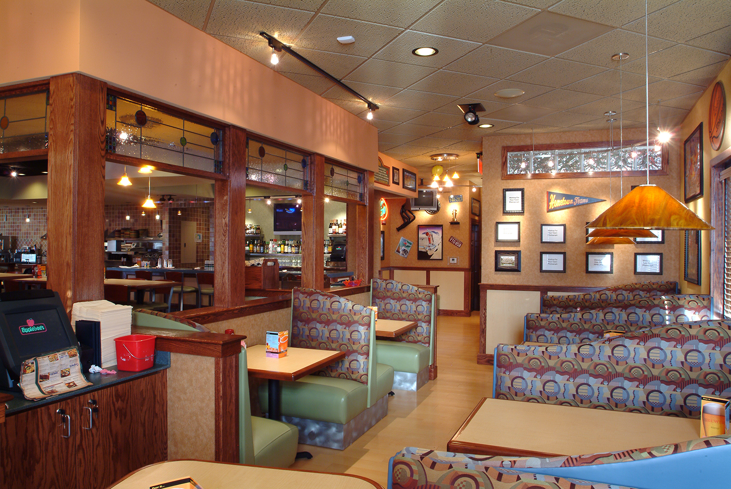 Applebee's interior