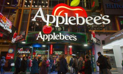 Facade of NYC Applebee's: the Big Apple