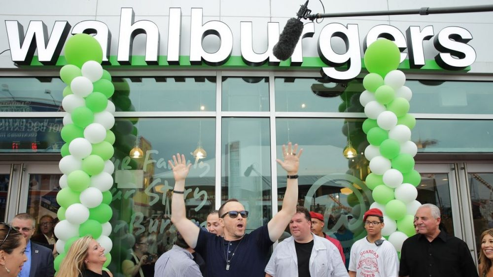 Wahlburgers storefront