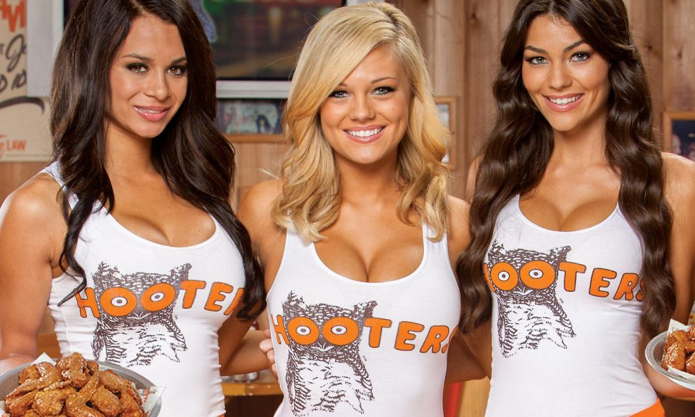 Top 10 Untold Truths About Hooters