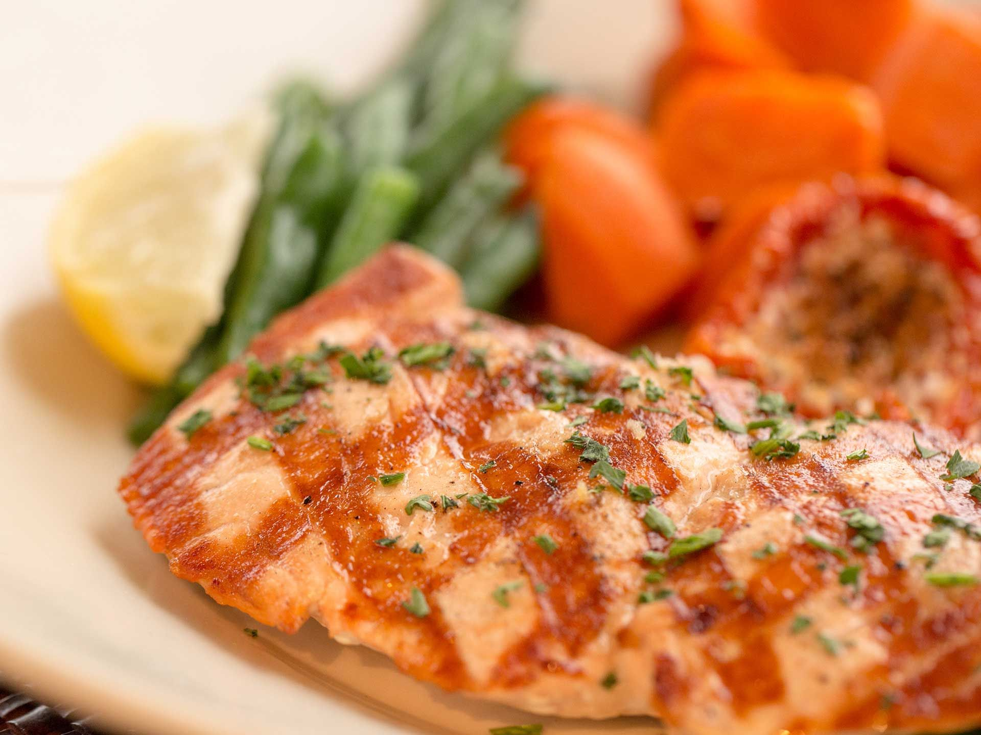 Cheesecake-factory-skinnylicious-grilled-salmon