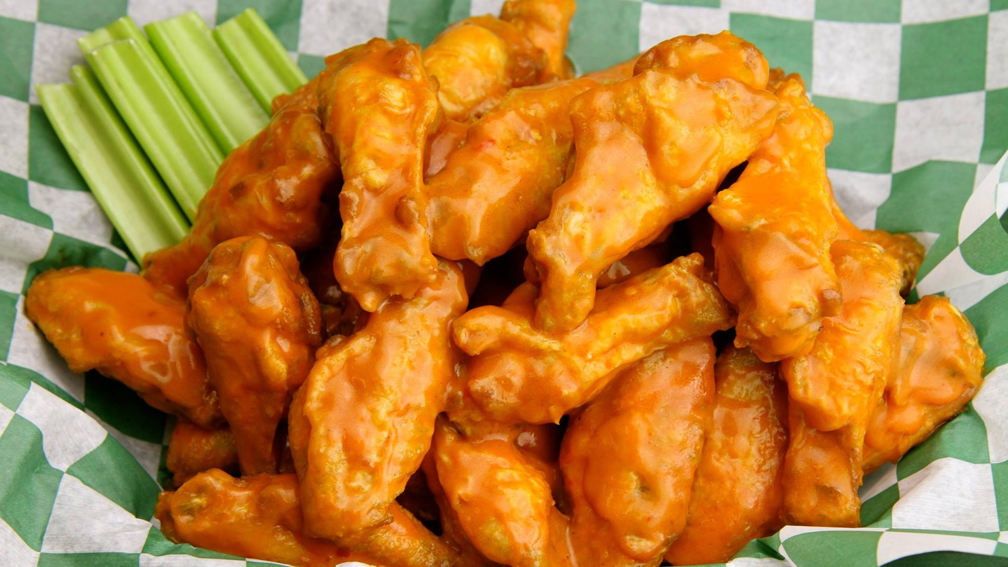 Beef-O-Brady-s-wings-36388b30e9bacdd_36388cbd-f9d6-3080-6d5e16bf2968ddbf Cropped