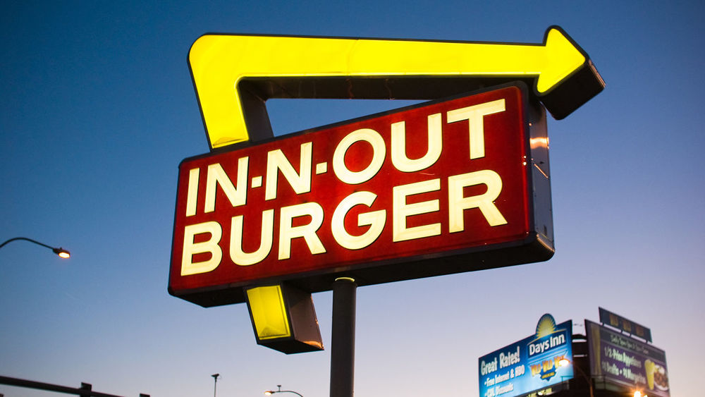 10 Ways In-N-Out Is BETTER Than Whataburger