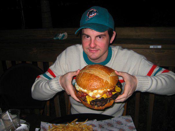 Pig 'n-Chik – The Sarge Burger