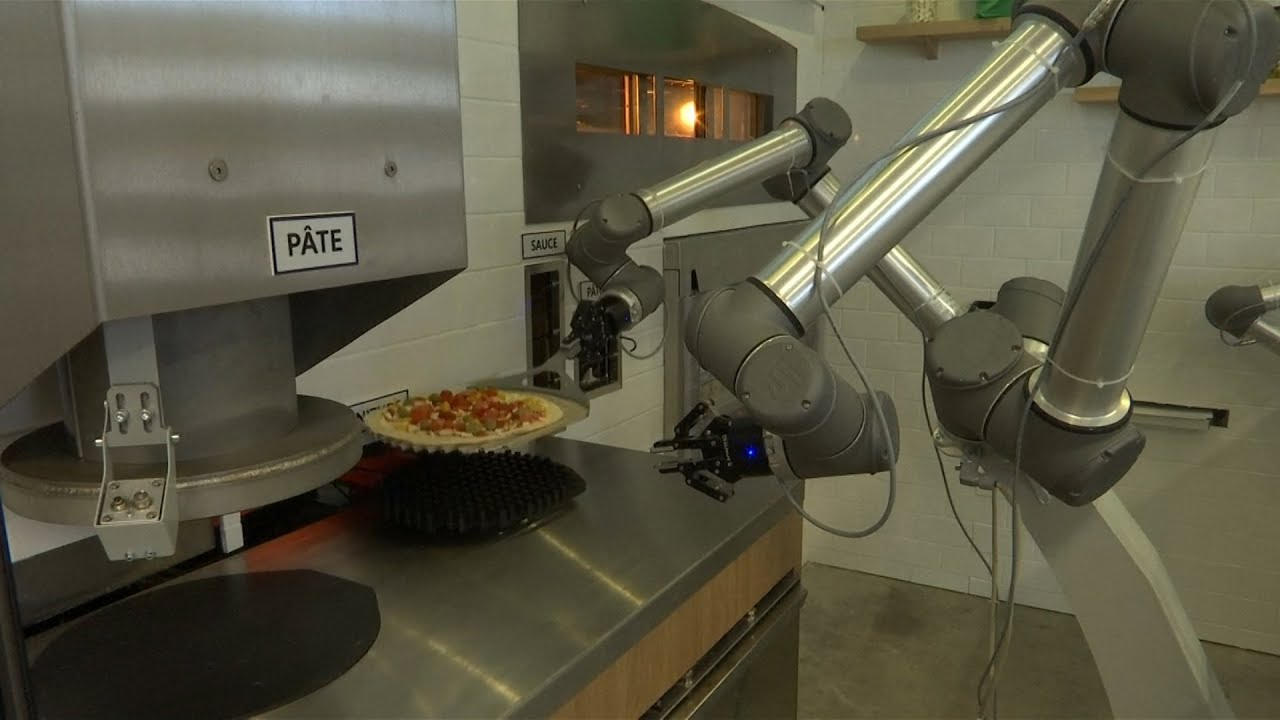Robots are starting to make Pizza!