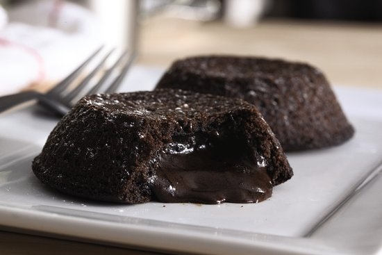 dominos – chocolate lave crunch cake