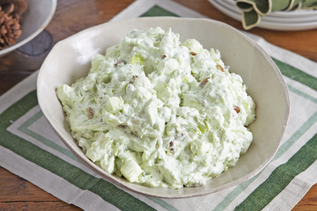 Watergate Salad – Cool Whip
