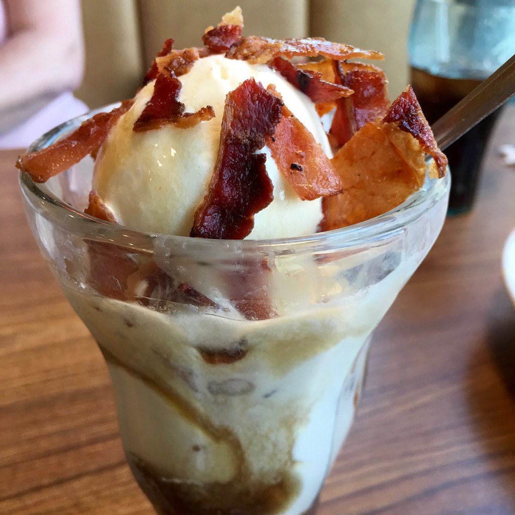 Sundae with fudge and bacon crumble