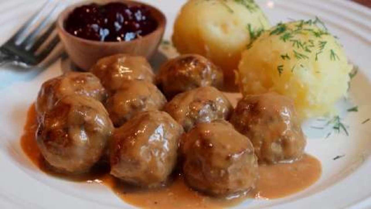 What's in Swedish meatballs?