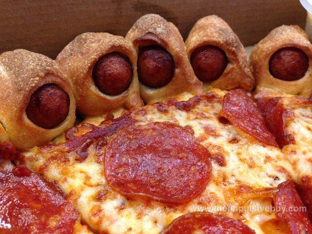 hot dog bite pizza