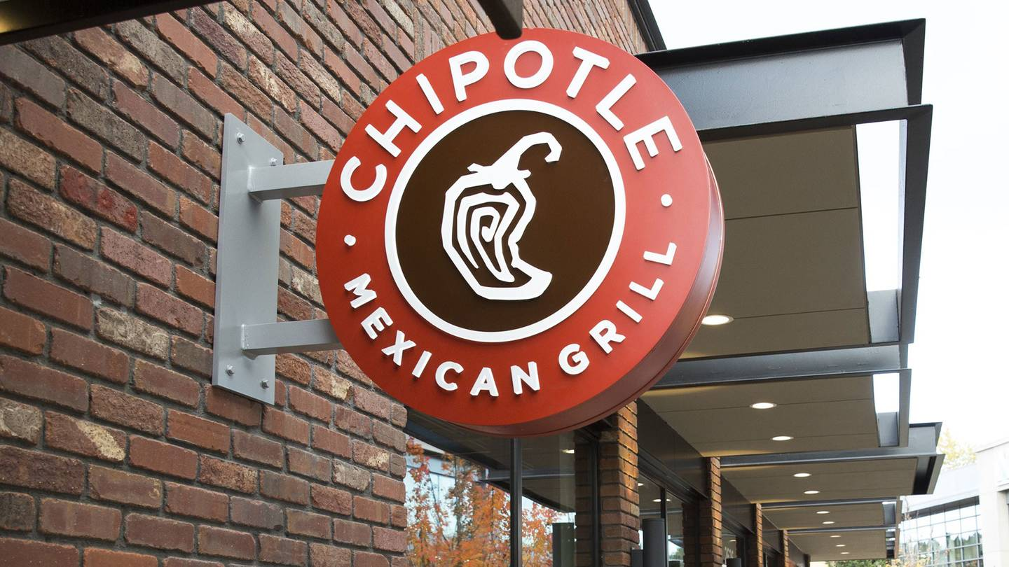 Chipotle-restaurant-sign