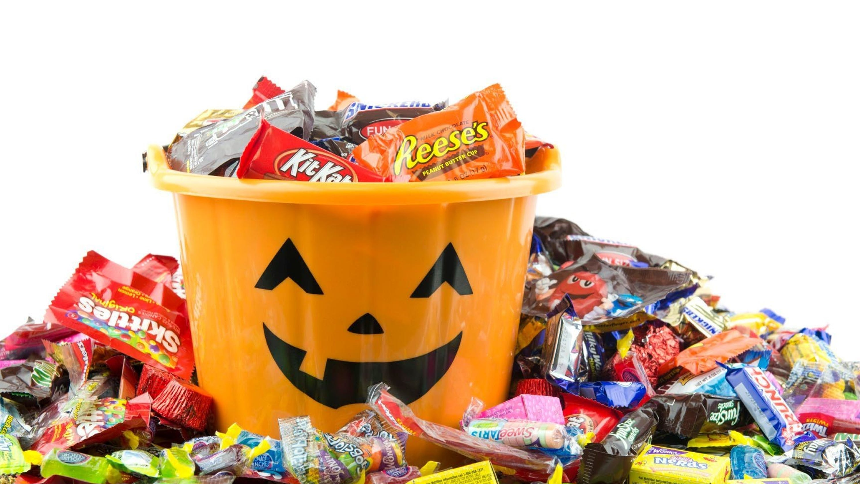 4e5218f6-b6d4-4a08-b6f2-feb3cb093a17-Halloween_Candy