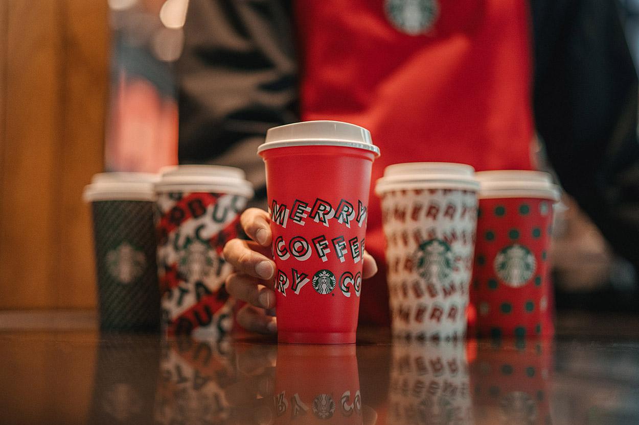 Starbucks-Holiday-Cups-Social