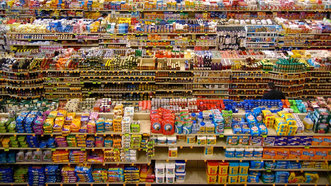 10 Industry Secrets That Make You Buy More Food