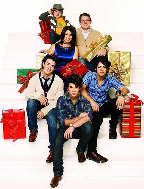 awkward xmas photos celebrities 22 jonas brothers